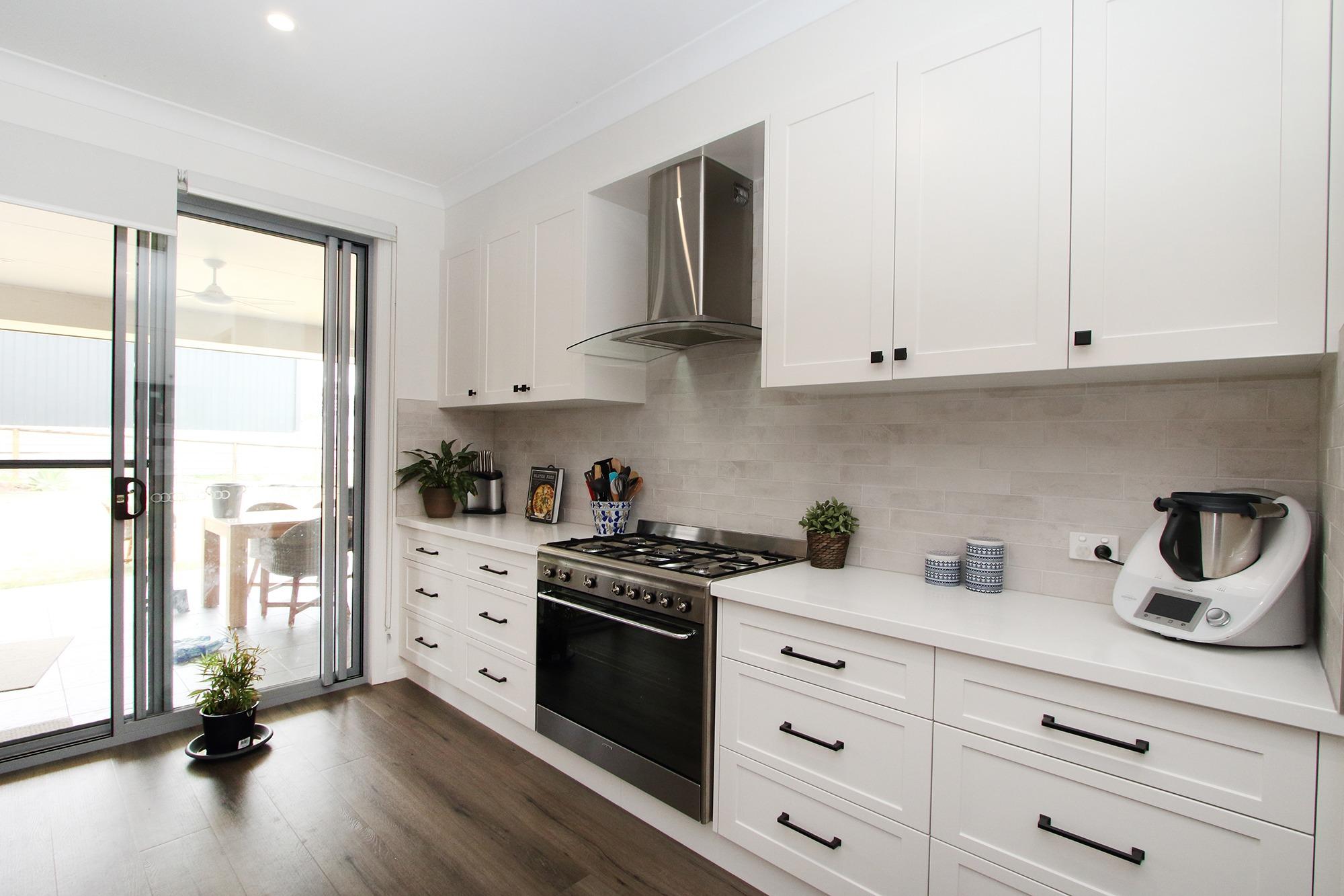 Custom_Made_Kitchen_Cabinets