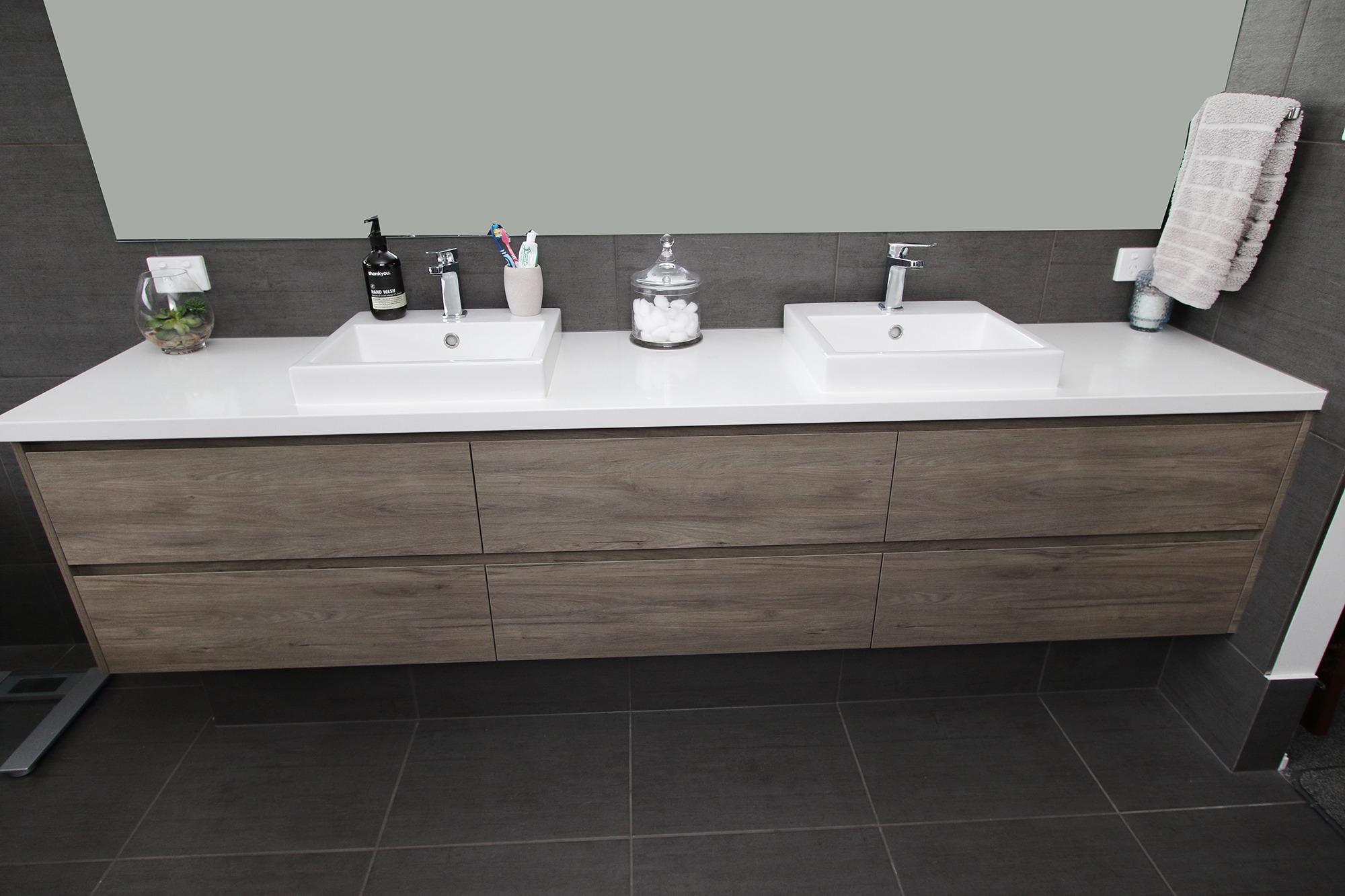 Storage_units_for_bathroom