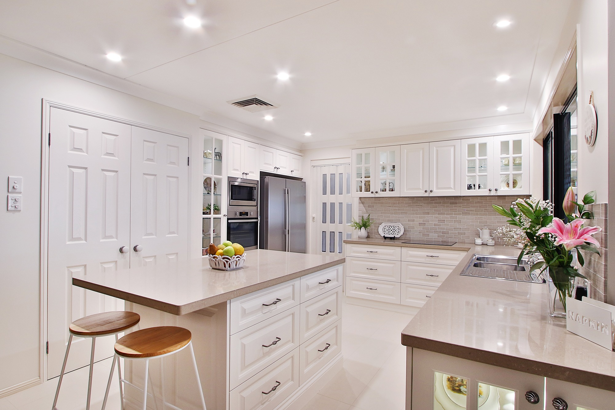 Modern_kitchen_cabinet_McColl_Cabinetmakers