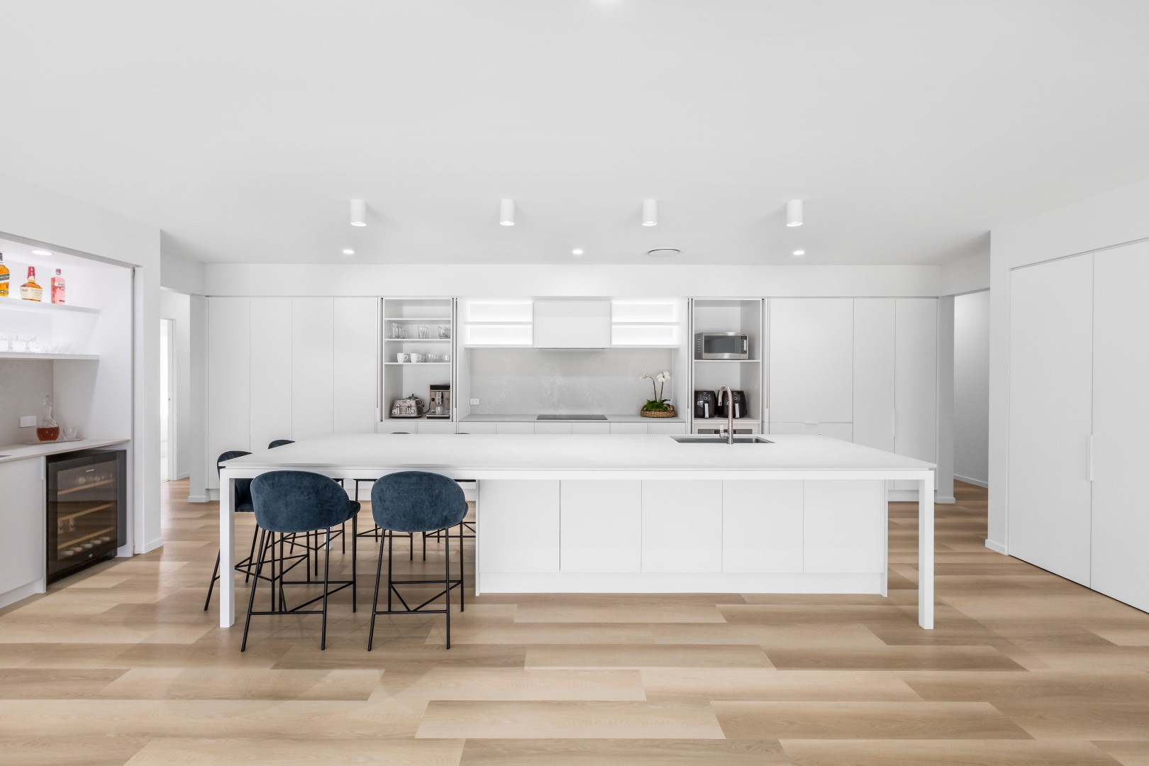 Cabinetmakers: Take on more projects, outsource production
