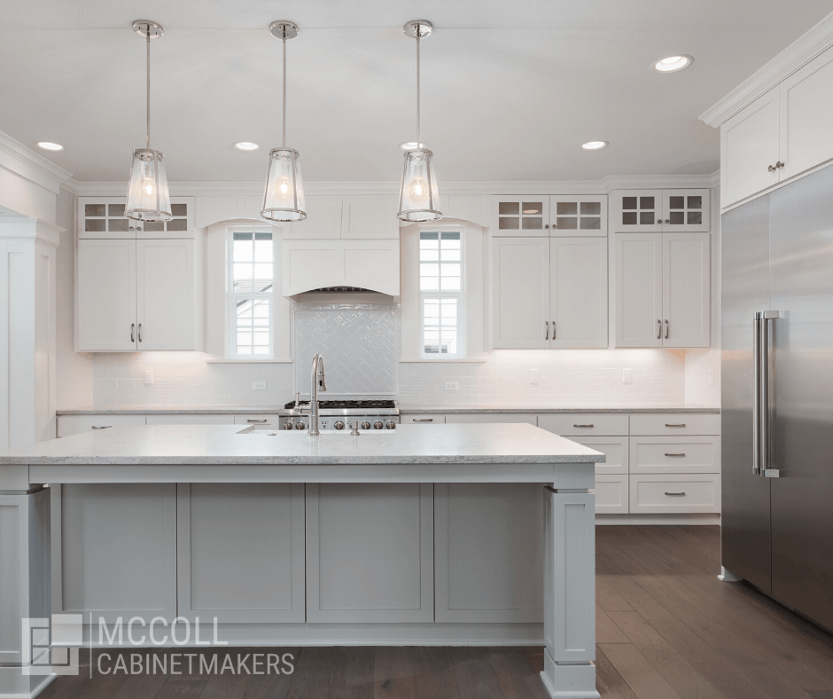 White_cabinets_for_kitchen